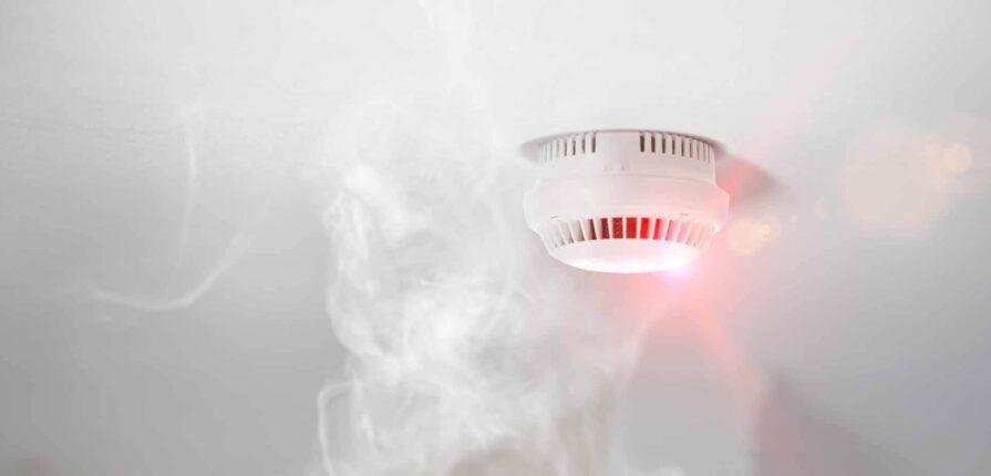 Impanti antincendio: come funzionano i rilevatori di fumo?